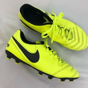 Nike Soccer Cleats Unisex Yellow 5Y